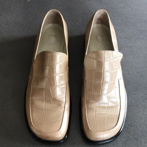 Franco Sarto croc embossed peachy gold loafers